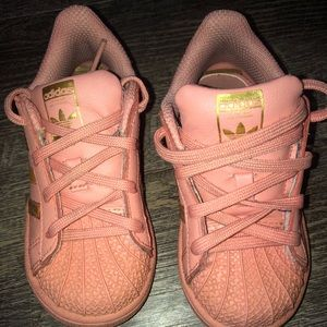 Toddler Adidas pink superstar shell toes
